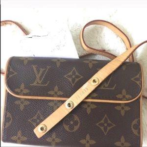 Louis Vuitton Florentine Clutch